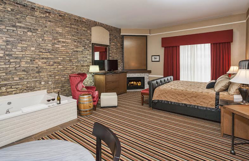 Guest room with hot tub at Fitger's Inn.