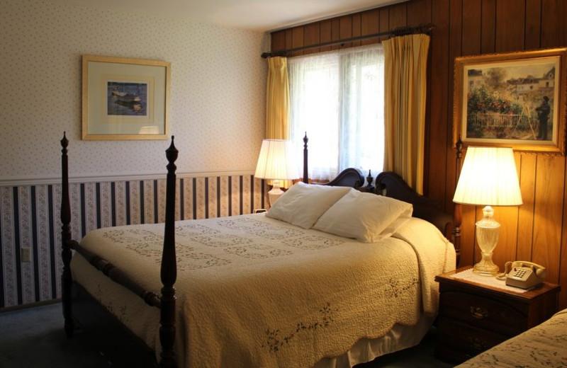 Guest room at Soldotna B&B Lodge and Alaska Fishing Charters.