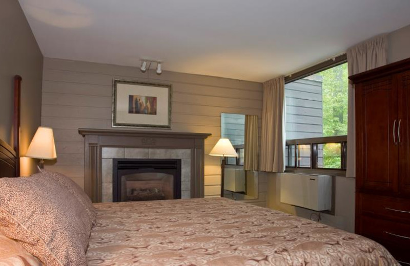 Guest Room at the Mohawk Inn and Conference Centre