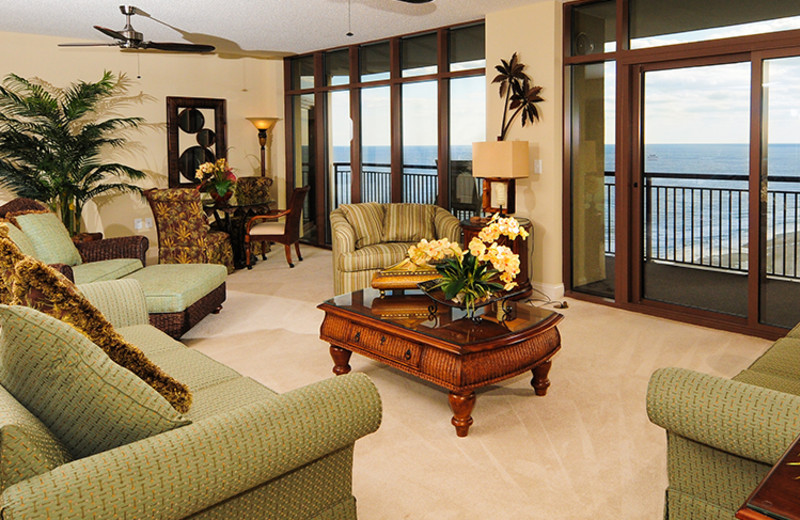Guest living room at North Beach Plantation.