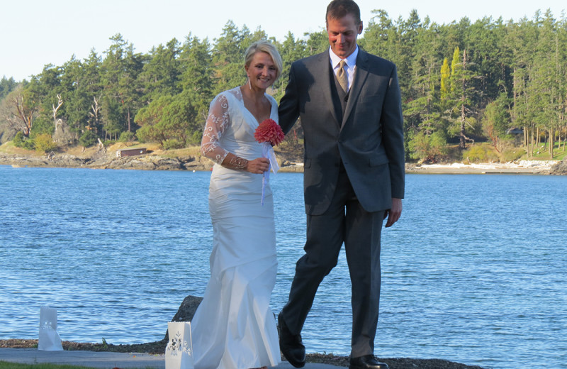 Weddings at Snug Harbor Marina Resort