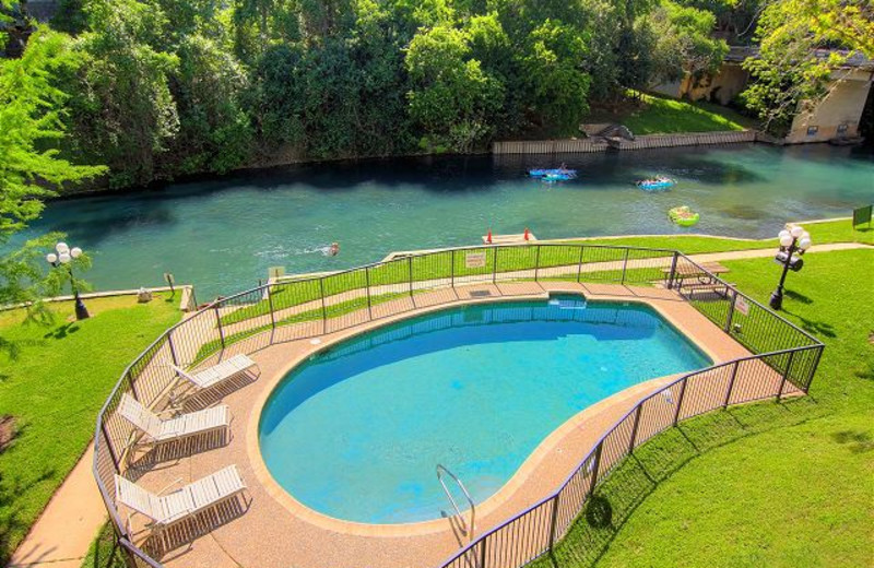 Rental pool at New Braunfels Escapes.