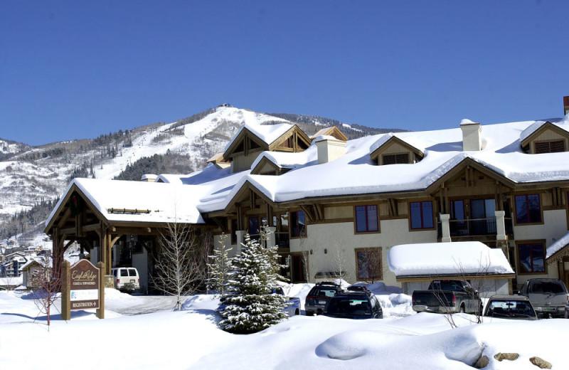 Exterior view of EagleRidge Lodge.