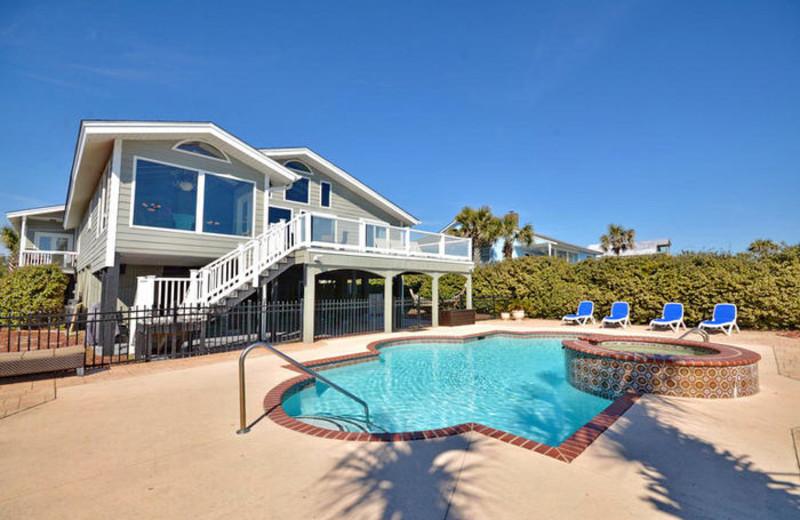 Rental pool at Elliott Beach Rentals.