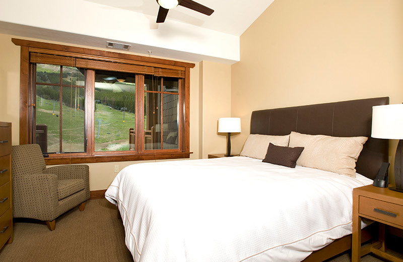 Guest bedroom at One Ski Hill Place.