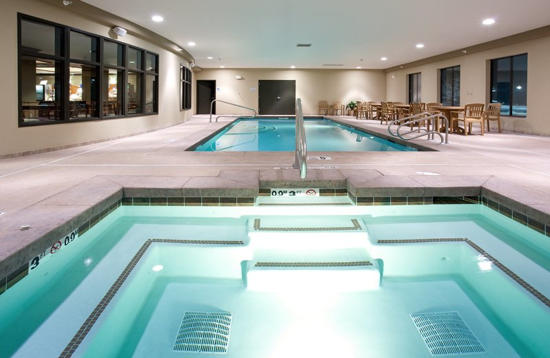 Whirlpool at Holiday Inn Express & Suites Lander.
