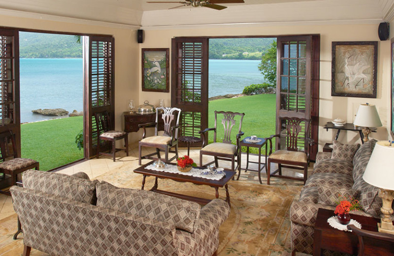 Guest living room at Bluefields Bay Villas.