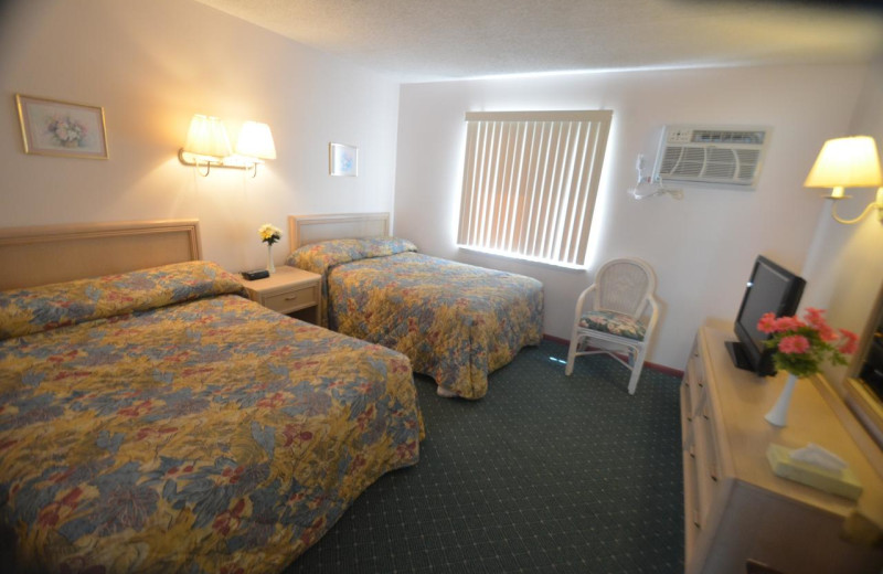 Guest room at Sea Scape Inn.