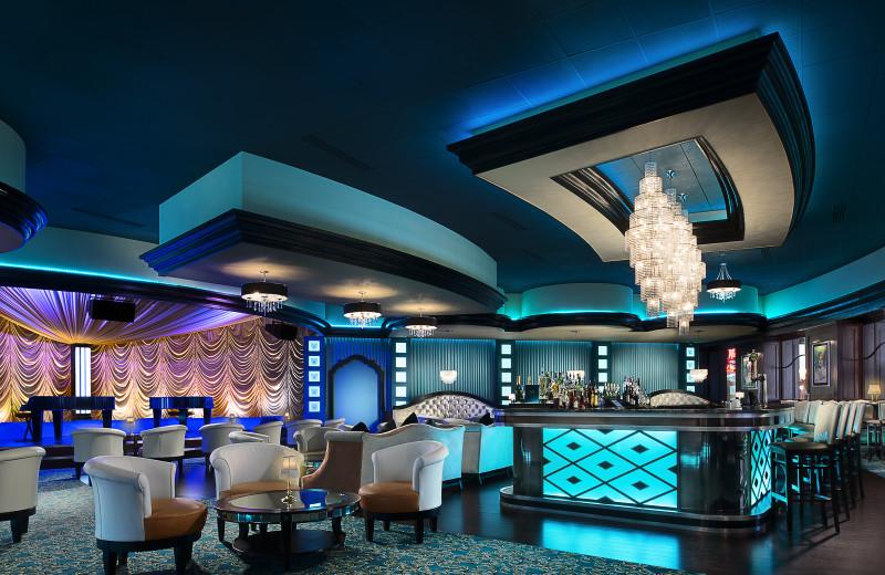 Bar at Turning Stone Resort Casino.