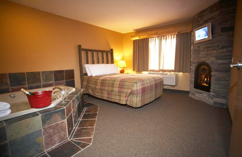 Guest room at Whitefish Lodge & Suites.