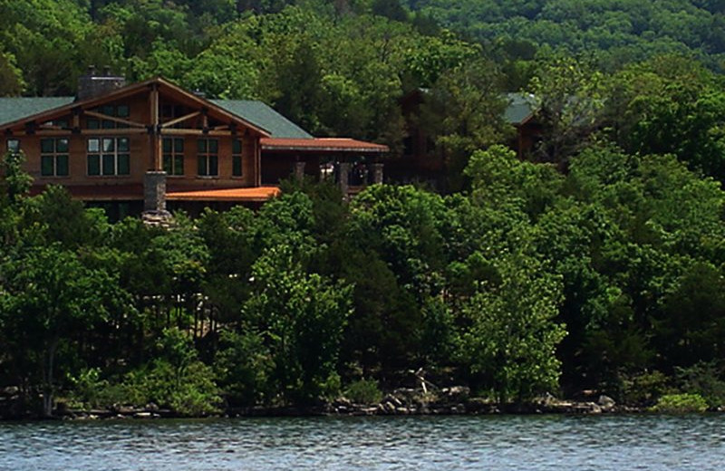 Exterior view of Stonewater Cove Resort.