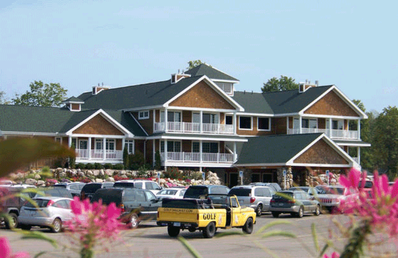 Exterior view for Hawk's Eye Golf Resort.