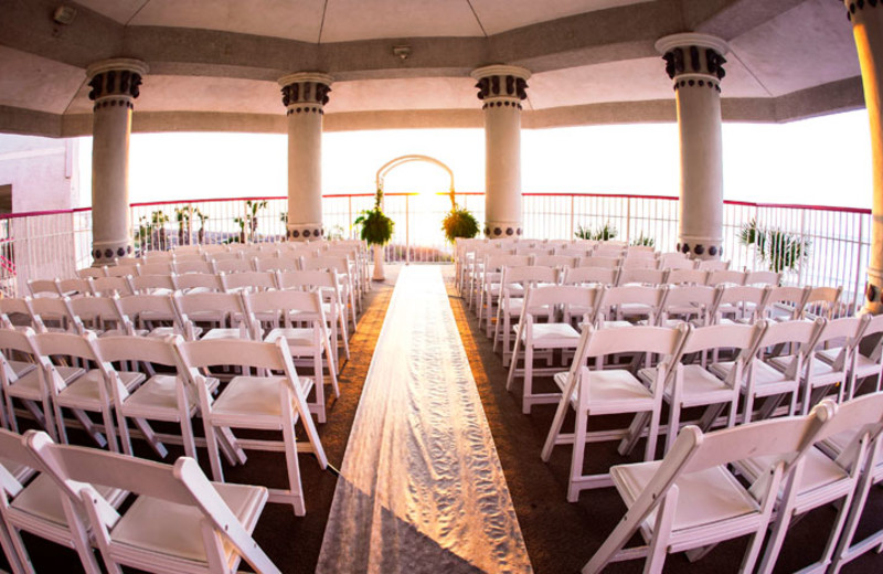 Weddings at Crown Reef Resort.