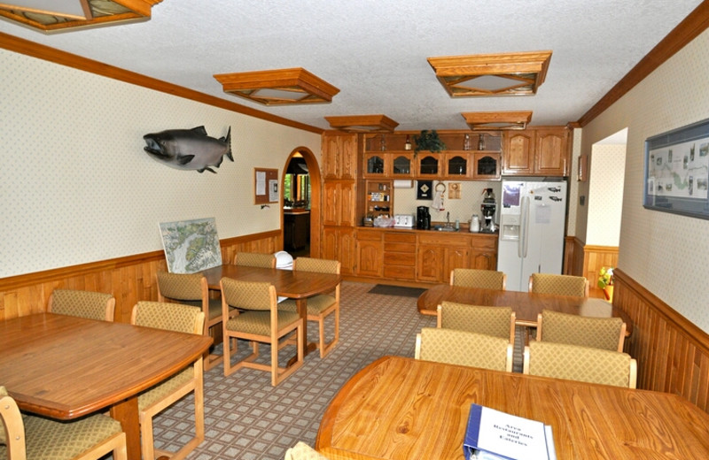Dining at Soldotna B&B Lodge and Alaska Fishing Charters.