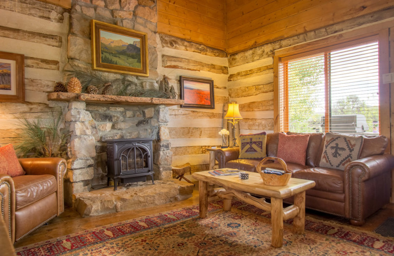Guest living room at Cottonwood Meadow Lodge.