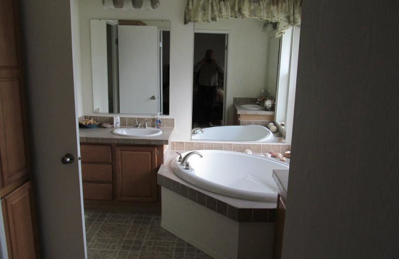 Cabin bathroom at Pleasure Cove.