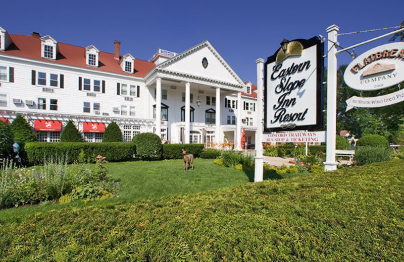 Eastern Slope Inn exterior at North Conway Lodging.