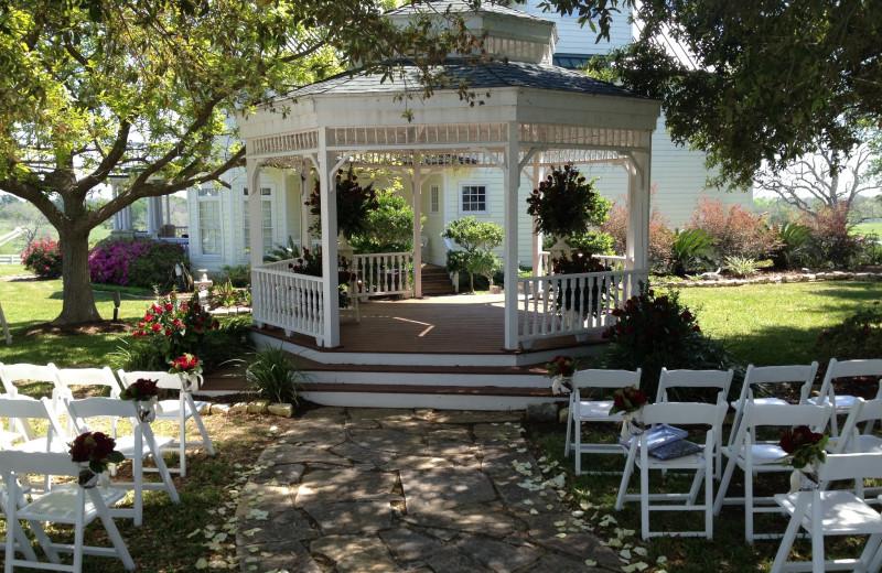 Wedding at Lillian Farms Bed & Breakfast.