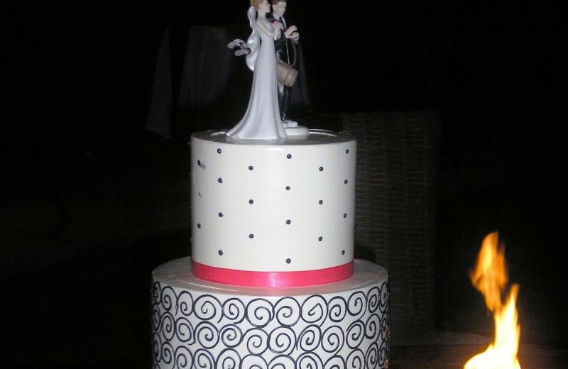 Wedding cake at Gainey Suites Hotel.