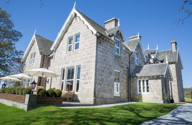 Exterior view of Muckrach Lodge Hotel and Restaurant.
