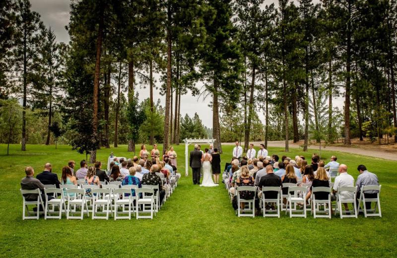 Weddings at Powers Creek Retreat.