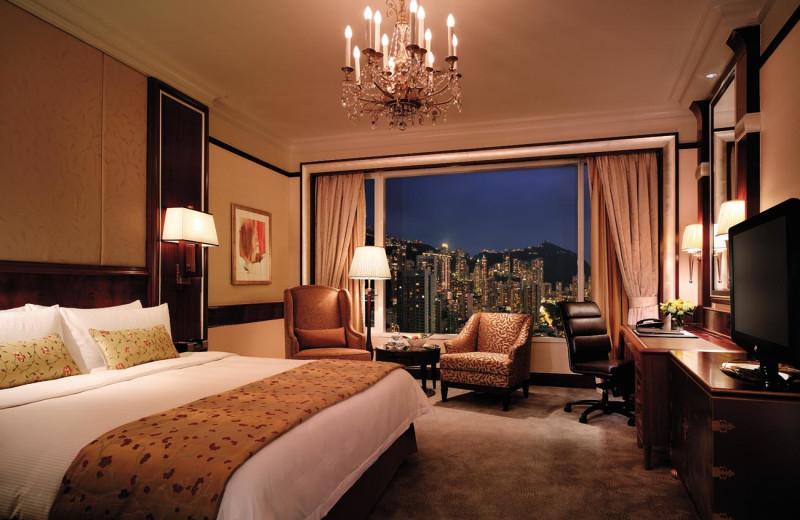 Guest room at Island Shangri-La-Hong Kong.