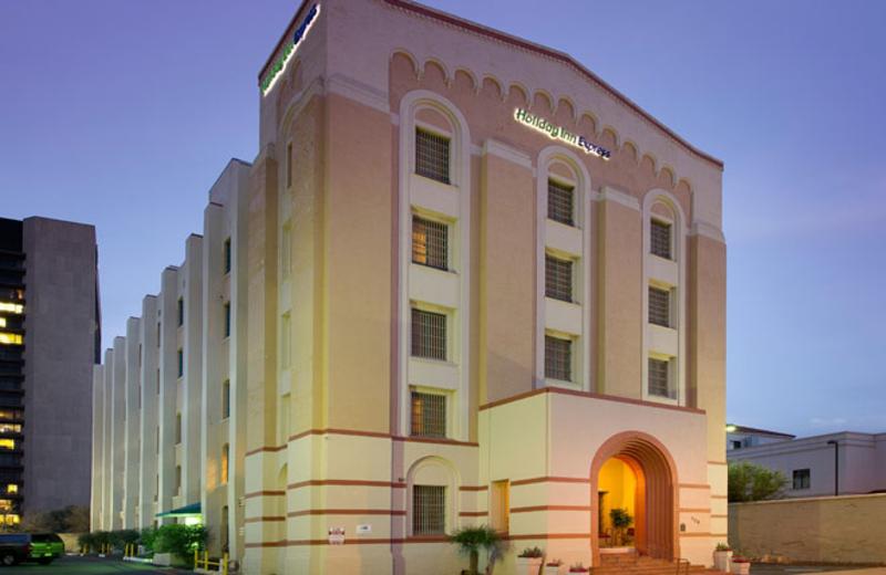 Front entrance to Holiday Inn Express San Antonio.