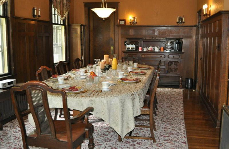 Dining room at Park Place Bed & Breakfast.