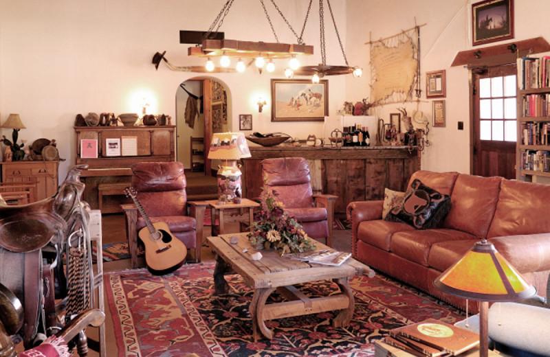 Kay El Bar Guest Ranch comfortable lodge and great room.
