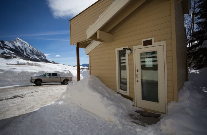 Rental exterior at Alpine Getaways.