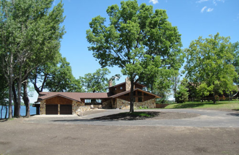 Exterior view of Sugarbush Lodge.