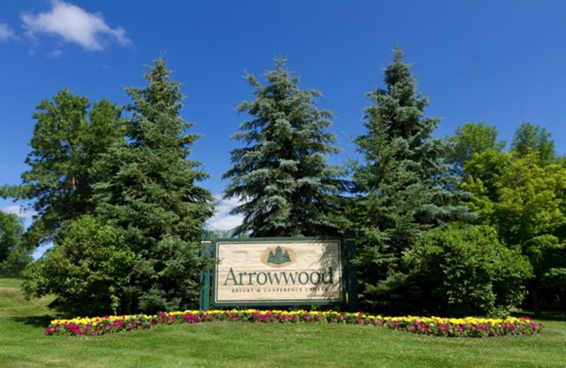 Arrowwood Resort sign.