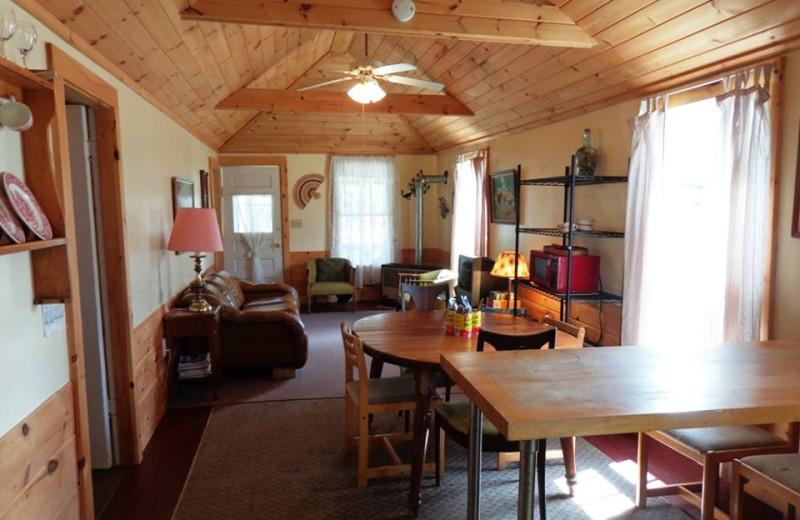 Cottage living room at HighWinds Lodge & Cottages.