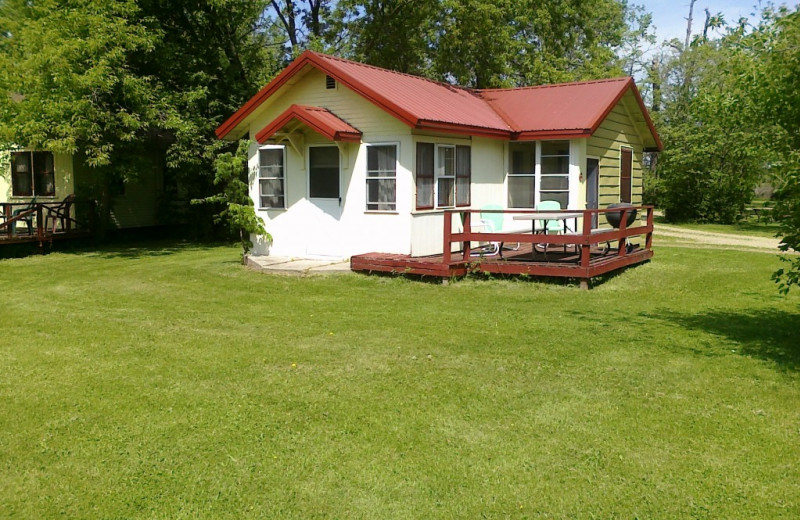 Cabin exterior at Woodlawn Resort & Campground.
