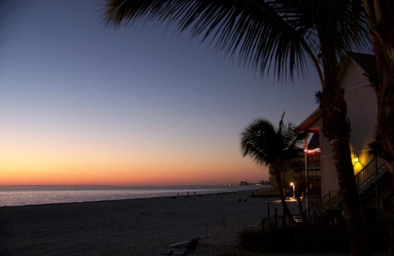 Sunset on the beach at Lahaina Inn Resort.
