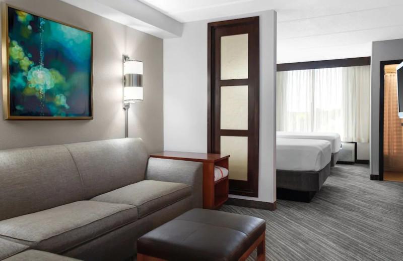 Guest room at Hyatt Place Secaucus/Meadowlands.