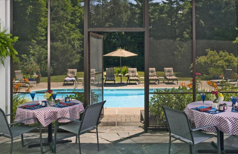 Outdoor pool at Applegate Inn.