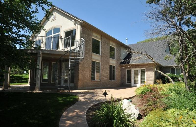Rental exterior at Lakeside Resort Properties.