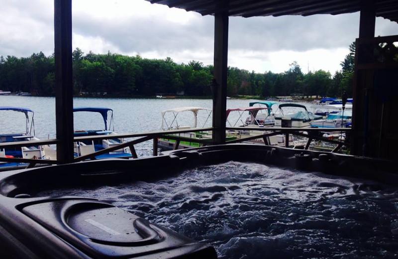 Jacuzzi at Clear Lake Resort.
