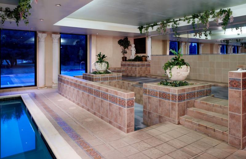 Indoor pool and hot tub at Pocono Palace Resort.