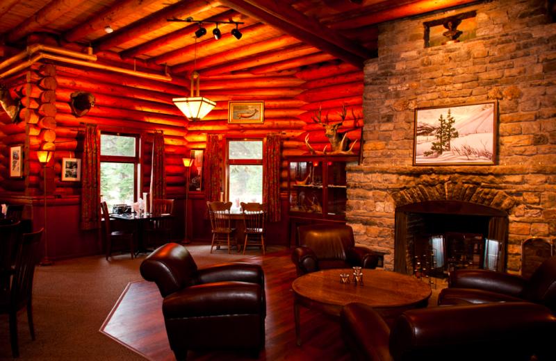 Living Area at Simpson's Num-Ti-Jah Lodge