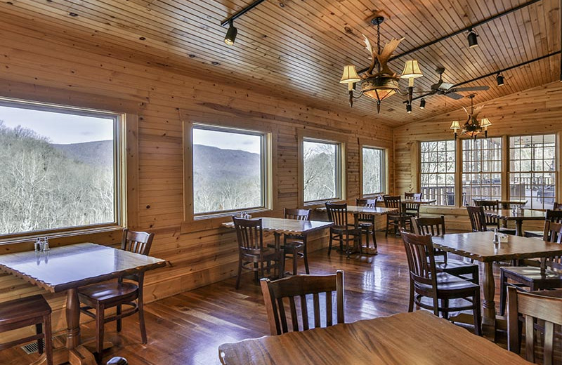 Dining room at House Mountain Inn.