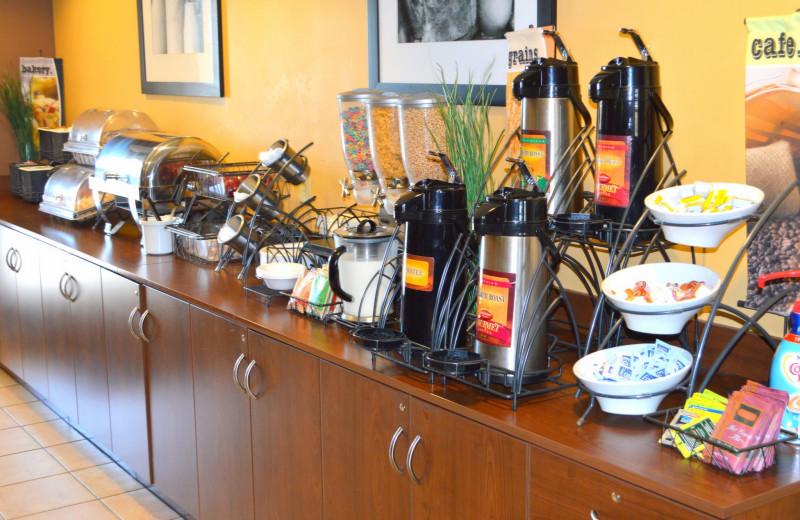 Breakfast at Pronghorn Inn & Suites Rawlins.