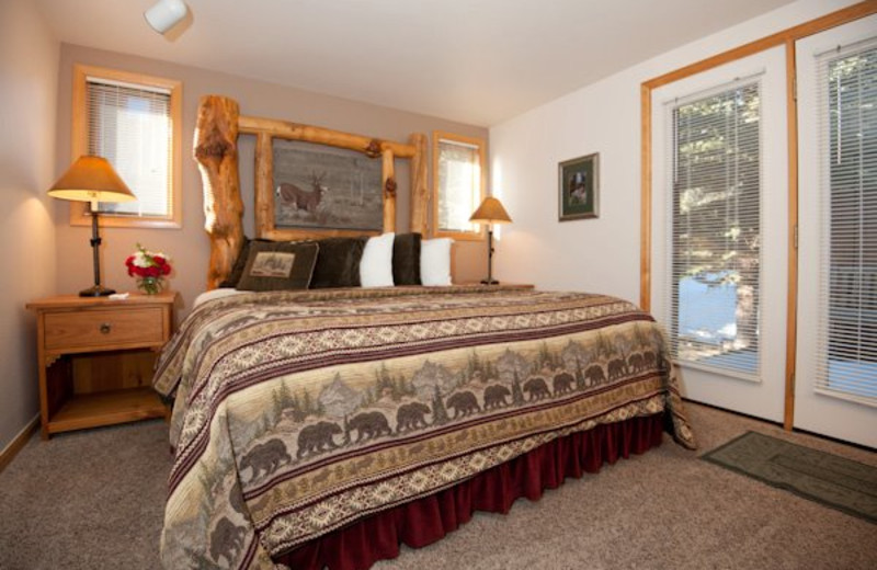 Guest bedroom at Rams Horn Village Resort.