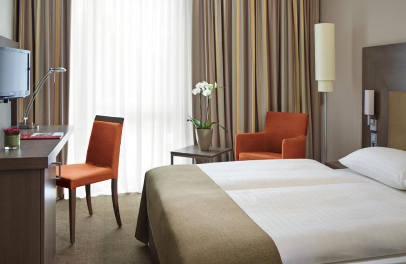 Guest room at InterCity Hotel Berlin.