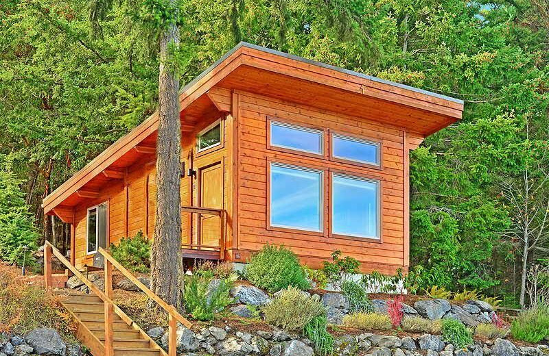 Cabin exterior at Snug Harbor Marina Resort.