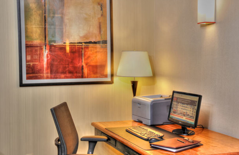 Business center at Residence Inn Mont Tremblant Manoir Labelle.