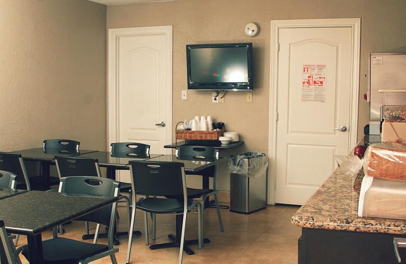 Breakfast dining area at WindWater Hotel & Resort.