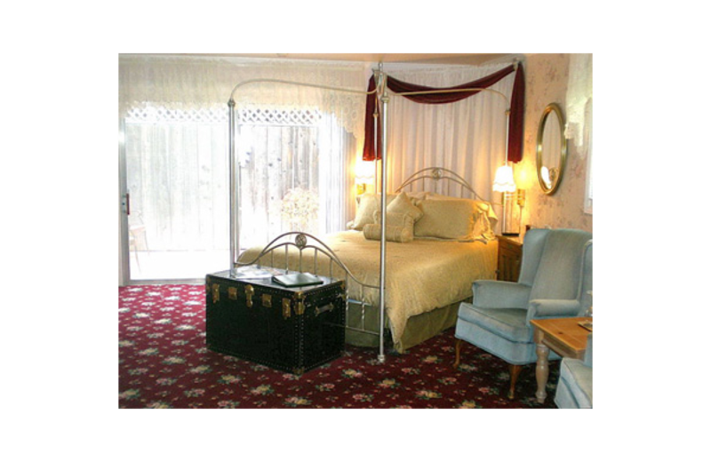 Guest room at Stahlecker House Bed & Breakfast.