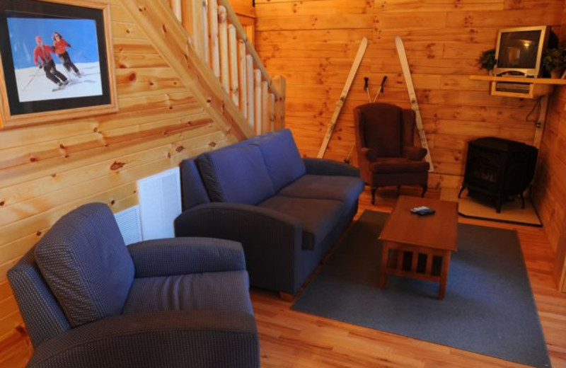 Beautiful 2 Bedroom, 2 Bath Cabin Just South Of Beckley, WV